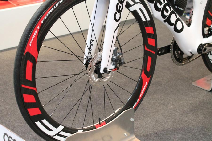 Ceepo Viper disc close up
