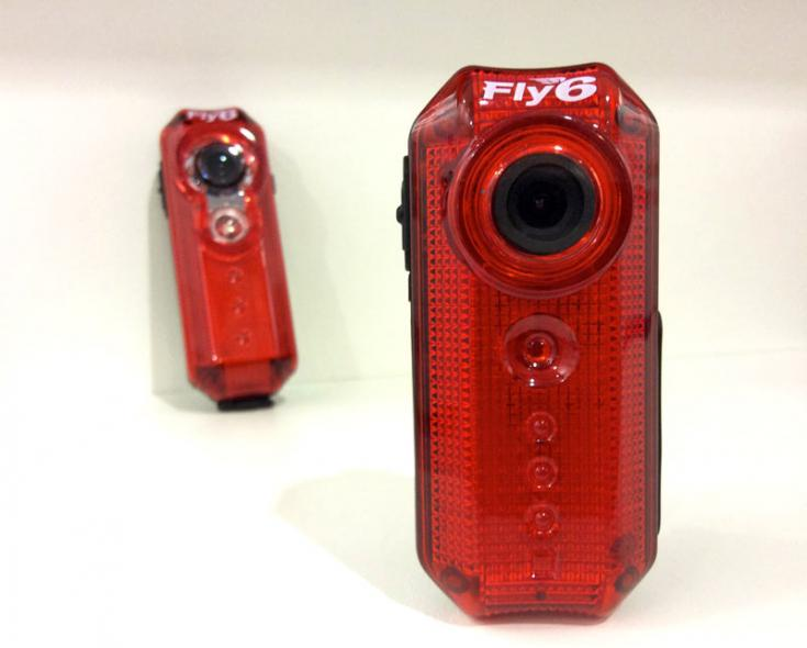 Fly6-bicycle-taillight-with-HD-camera02