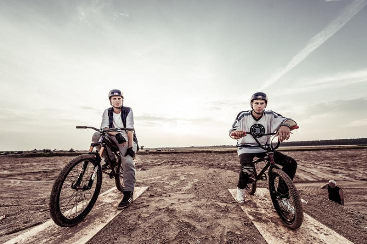the-bike-brothers-szymon-and-dawid-godziek