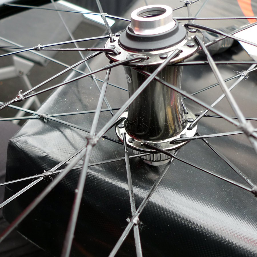 XC_mountain-bike_World-Cup_Nove-Mesto_Jolanda-Neff_Stoeckli_tied-and-carbon-wrappedsoldered-spokes_unfinished-wrap