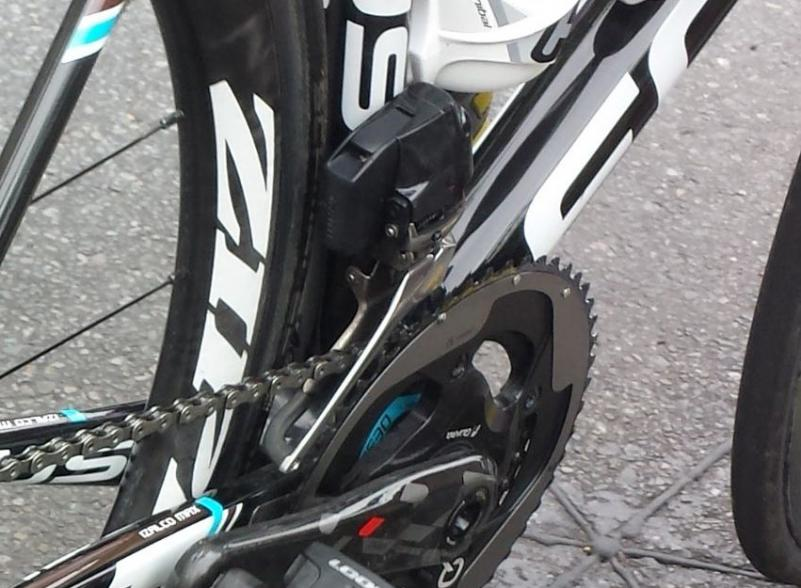 SRAM-Red-Wireless-electronic-road-shifting-group-closeup-2015-1